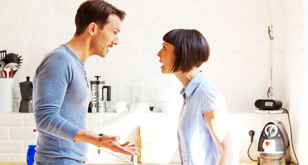 Почему мужчины бьют женщин: причины, психология поведения, отрицательные эмоции и мнения психологов