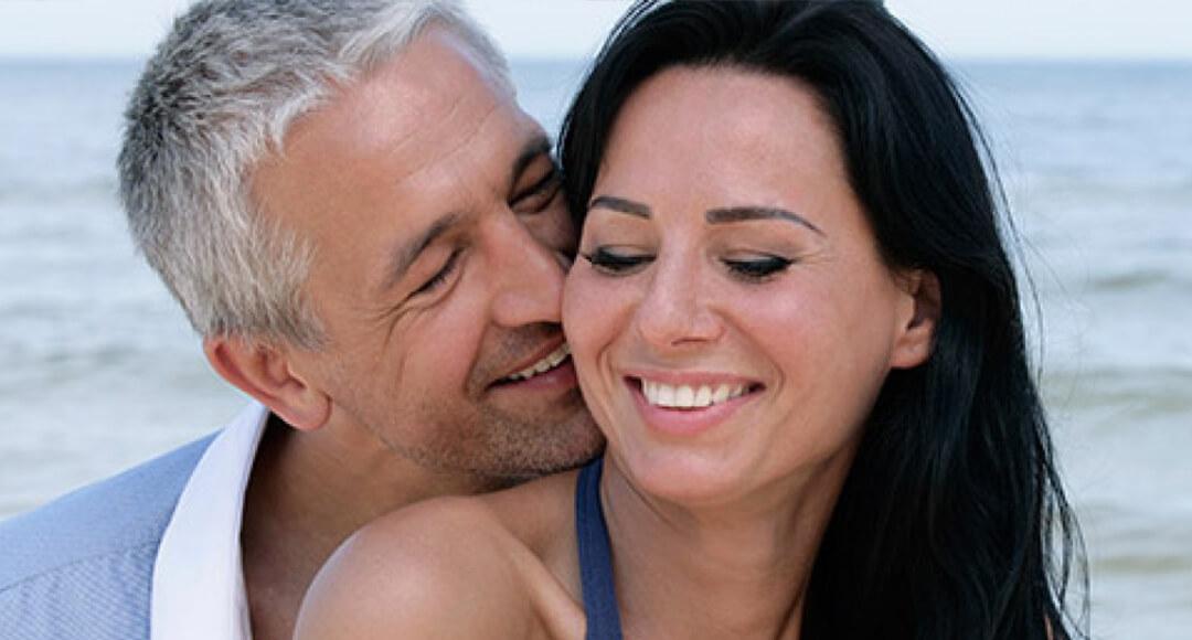 Зрелый мужчина и молодая любовница видео #15