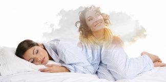 девушки спит и видит другую женщину