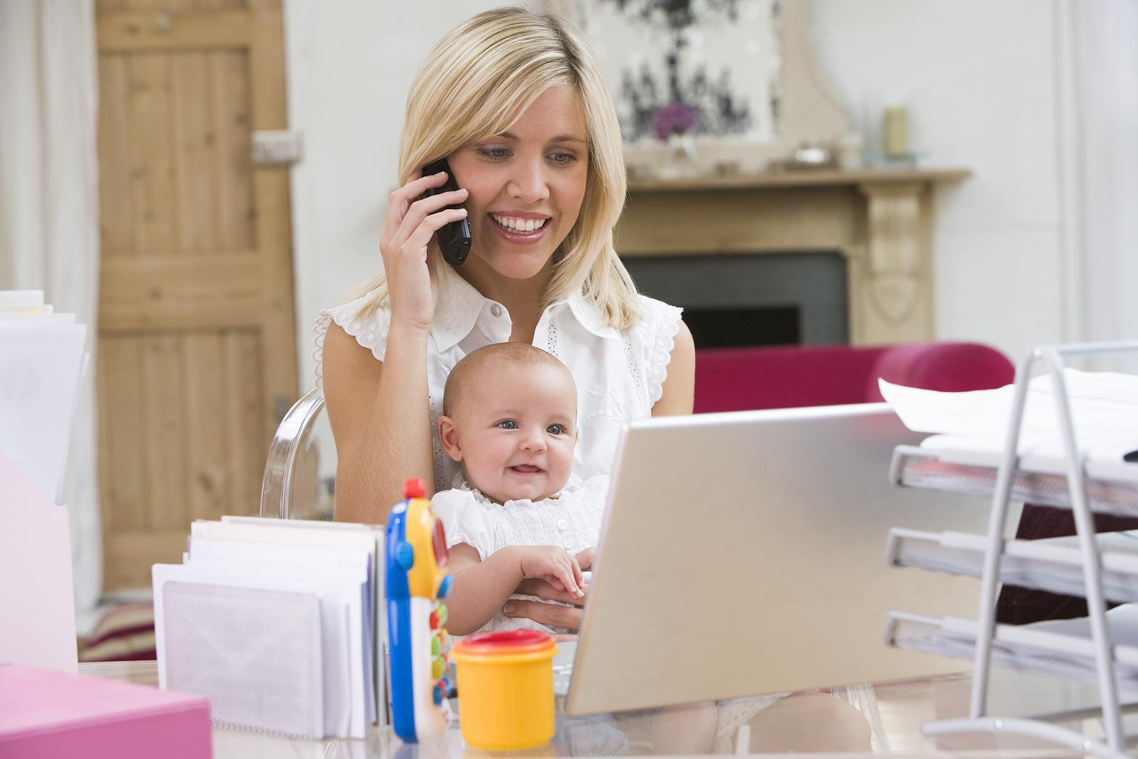 Как заработать маме в декрете на дому